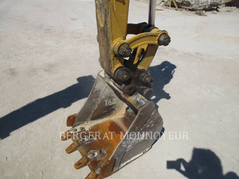 CATERPILLAR KETTEN-HYDRAULIKBAGGER 302.7D CR equipment  photo 3