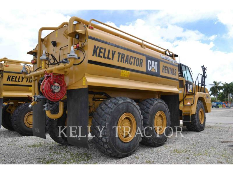 CATERPILLAR CAMIONES DE AGUA 725C equipment  photo 4