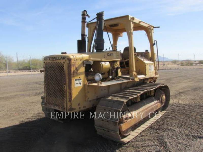 CATERPILLAR TRACK TYPE TRACTORS D5B equipment  photo 1