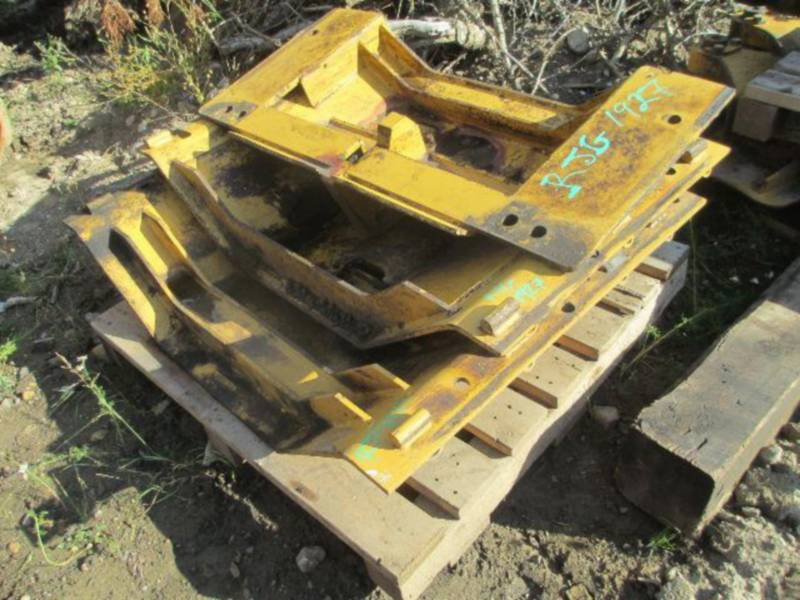 CATERPILLAR TRATORES DE ESTEIRAS D10T equipment  photo 20