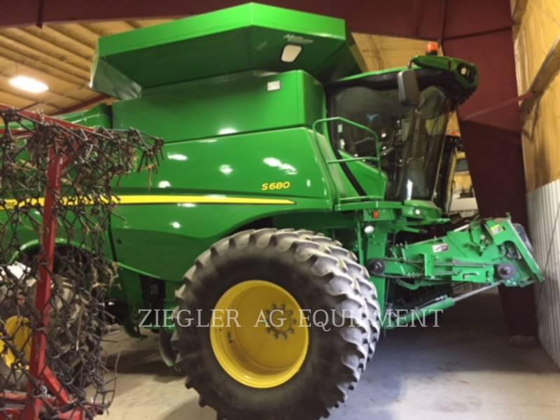 DEERE & CO. MÄHDRESCHER S680 equipment  photo 1