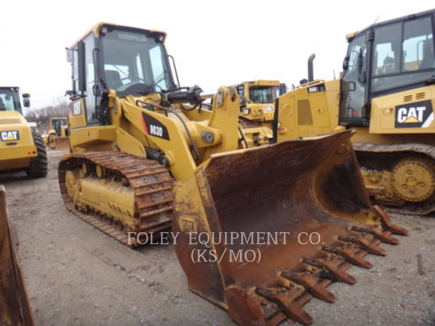 Detail photo of 2013 Caterpillar 963D from Construction Equipment Guide