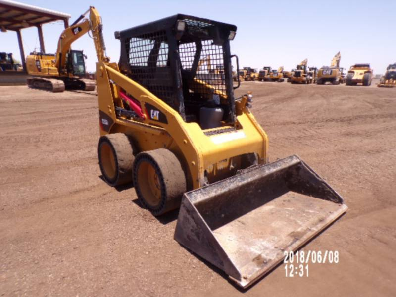 CATERPILLAR SKID STEER LOADERS 226B3 equipment  photo 7