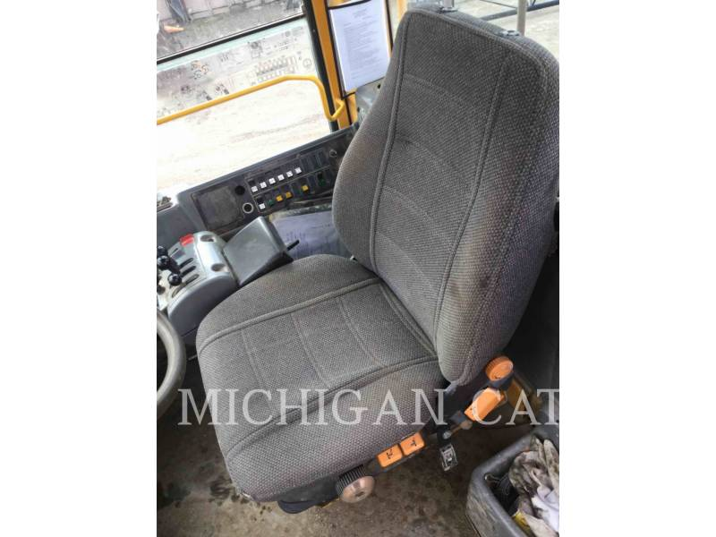 VOLVO CONSTRUCTION EQUIPMENT WHEEL LOADERS/INTEGRATED TOOLCARRIERS L120E equipment  photo 4