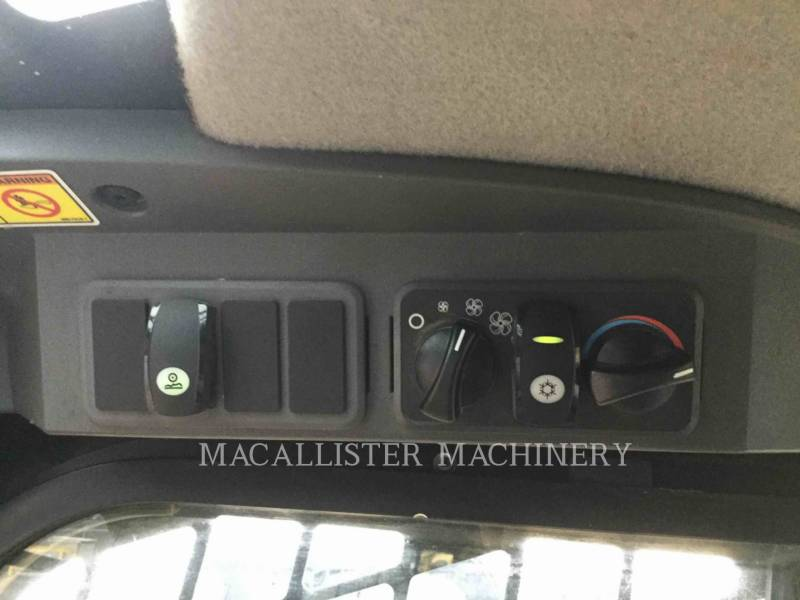 CATERPILLAR CARGADORES MULTITERRENO 299D equipment  photo 16