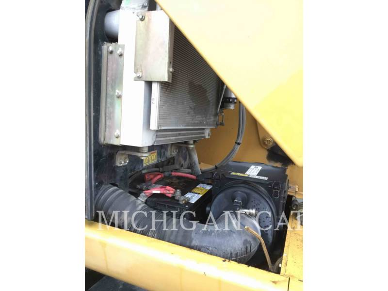 CATERPILLAR EXCAVADORAS DE RUEDAS M322D equipment  photo 12