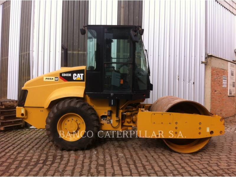 CATERPILLAR PLANO DO TAMBOR ÚNICO VIBRATÓRIO CS-423E equipment  photo 3