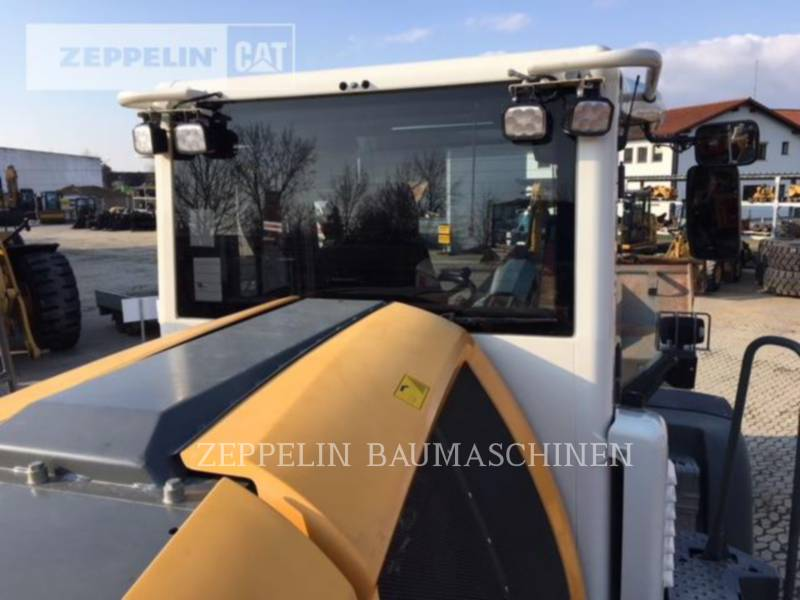 LIEBHERR PALE GOMMATE/PALE GOMMATE MULTIUSO L580 equipment  photo 22