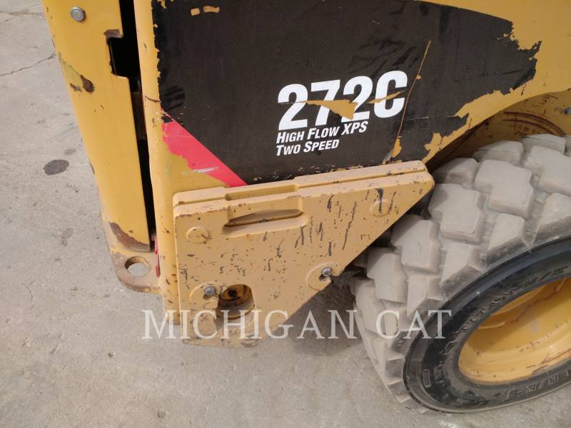 CATERPILLAR SKID STEER LOADERS 272C A2HQ equipment  photo 6