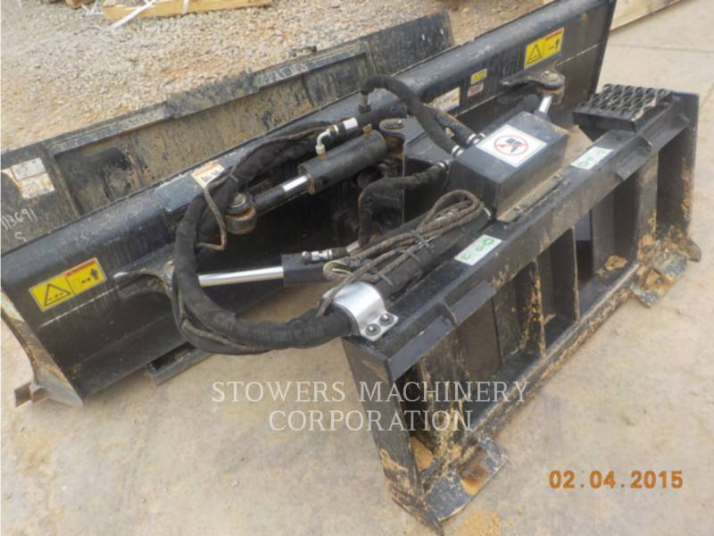 CATERPILLAR  BLADES BLADE equipment  photo 2
