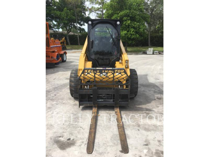 CATERPILLAR SKID STEER LOADERS 272D2 equipment  photo 8