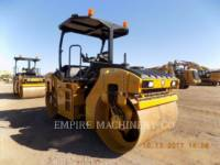 Equipment photo CATERPILLAR CB10 ROLO COMPACTADOR DE ASFALTO DUPLO TANDEM 1