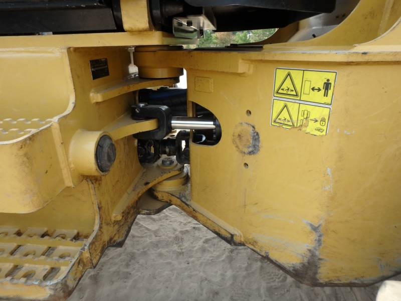 CATERPILLAR FORESTAL - TALADORES APILADORES - DE RUEDAS 563C equipment  photo 13