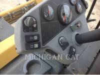 CATERPILLAR COMPATTATORE PER ASFALTO A DOPPIO TAMBURO VIBRANTE CB64 equipment  photo 13