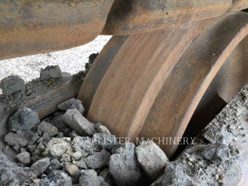 CATERPILLAR ESCAVATORI CINGOLATI 374DL equipment  photo 23