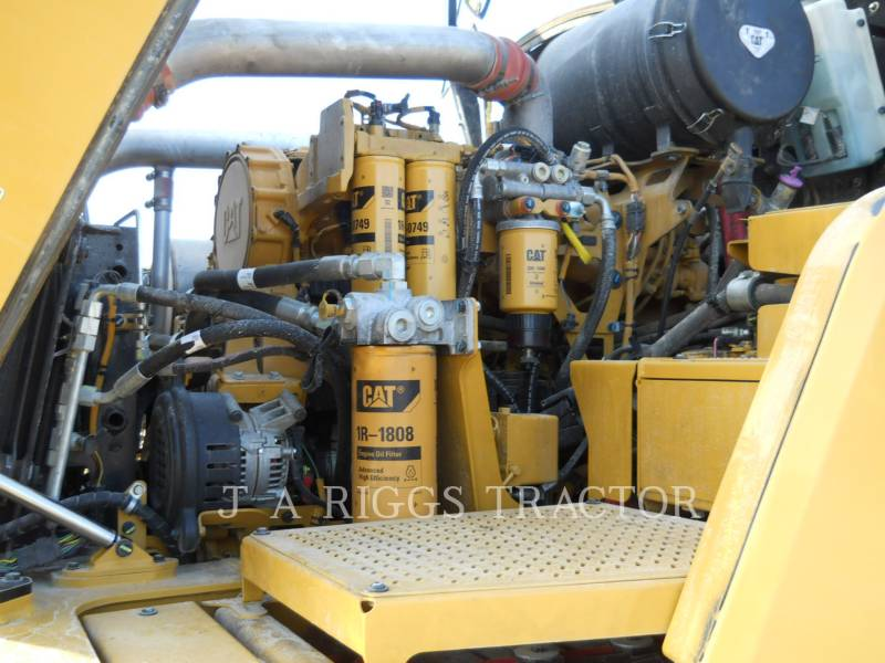 CATERPILLAR CAMIONES ARTICULADOS 740B equipment  photo 19