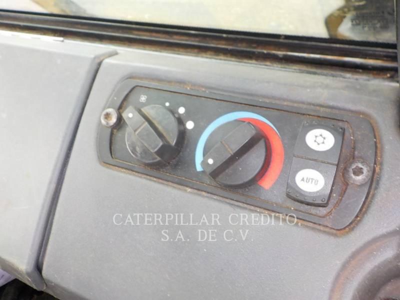 CATERPILLAR TRACTEURS SUR CHAINES D6KXL equipment  photo 12