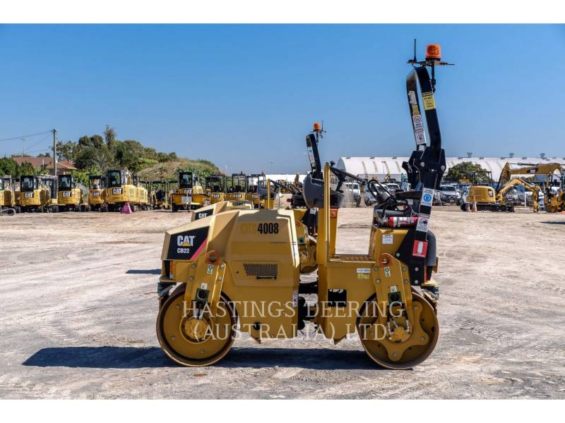 CATERPILLAR VIBRATORY DOUBLE DRUM ASPHALT CB22 equipment  photo 4