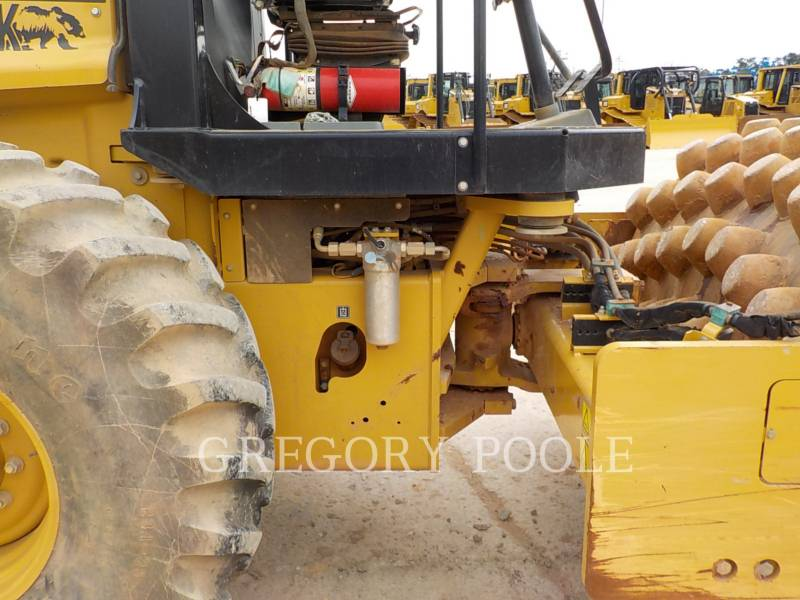 CATERPILLAR VIBRATORY SINGLE DRUM PAD CP-56B equipment  photo 18