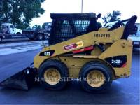 CATERPILLAR CHARGEURS COMPACTS RIGIDES 242B3 equipment  photo 2