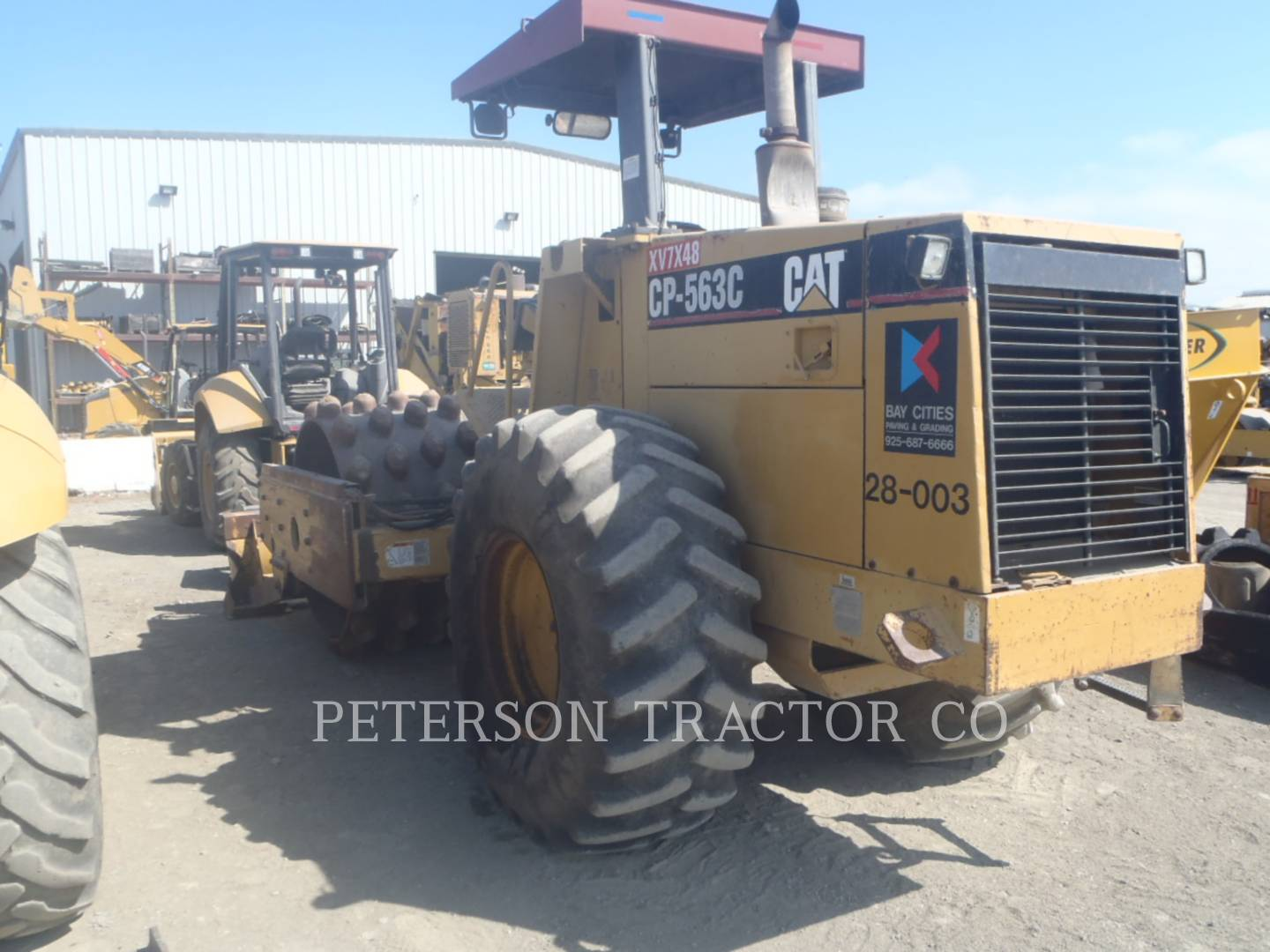 Detail photo of 1997 Caterpillar CP-563C from Construction Equipment Guide