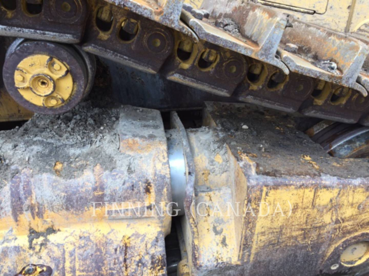 Detail photo of 1999 Caterpillar D8R from Construction Equipment Guide