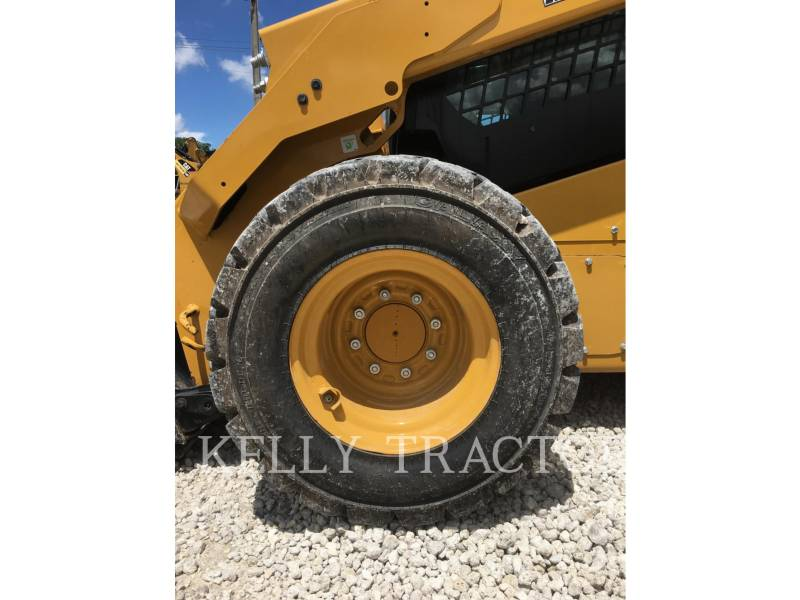CATERPILLAR KOMPAKTLADER 262D equipment  photo 9