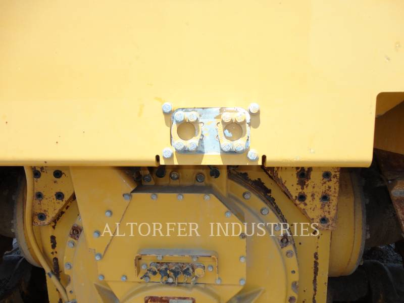 CATERPILLAR TRACK TYPE TRACTORS D6T LGPARO equipment  photo 17