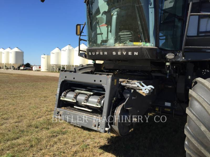 GLEANER COMBINE S77 SUPER equipment  photo 3