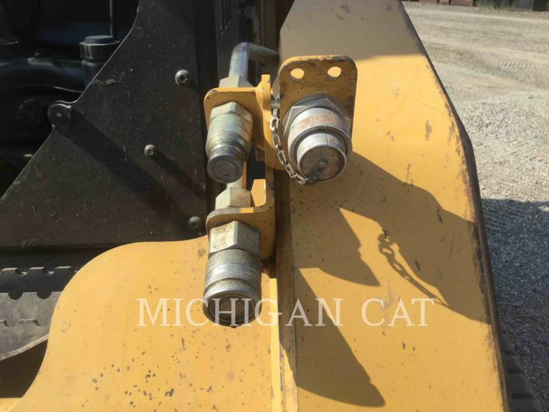 CATERPILLAR CHARGEURS TOUT TERRAIN 287B A equipment  photo 8