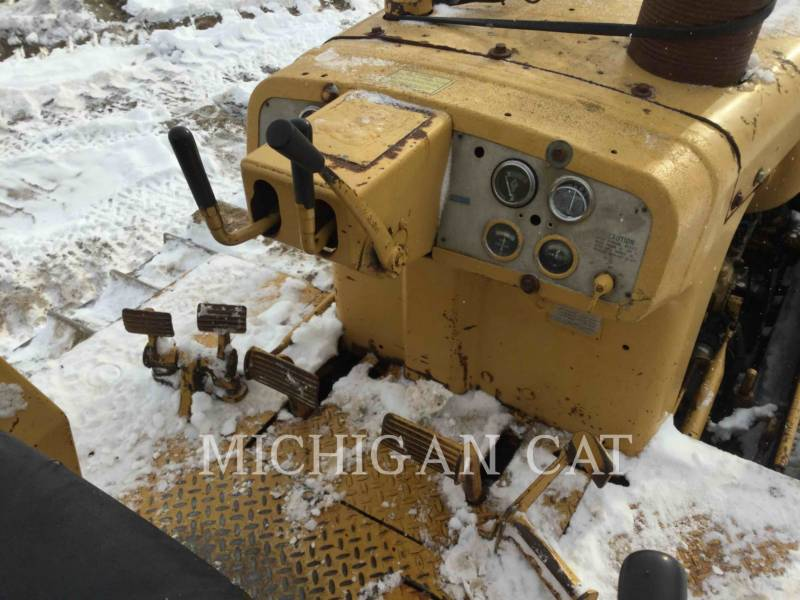 CATERPILLAR KETTENDOZER D6C equipment  photo 10