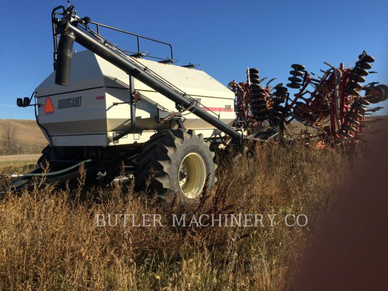 BOURGAULT INDUSTRIES Matériel de plantation 5710 equipment  photo 2