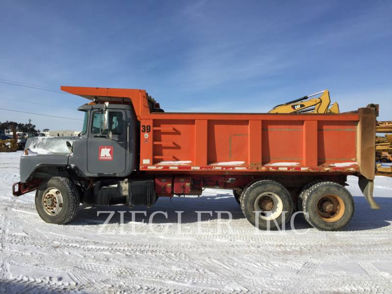 MACK TOMBEREAUX DE CHANTIER DM688S equipment  photo 5