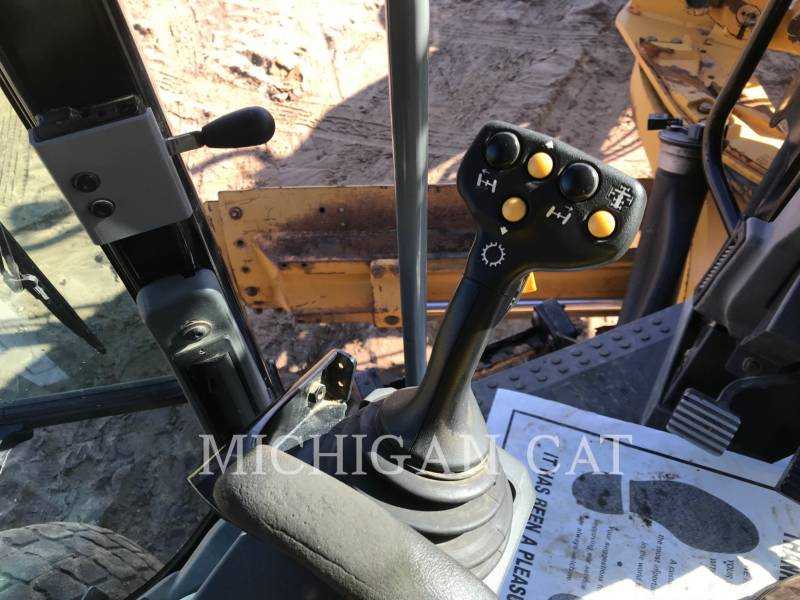 CATERPILLAR NIVELEUSES 140M2AWD equipment  photo 19