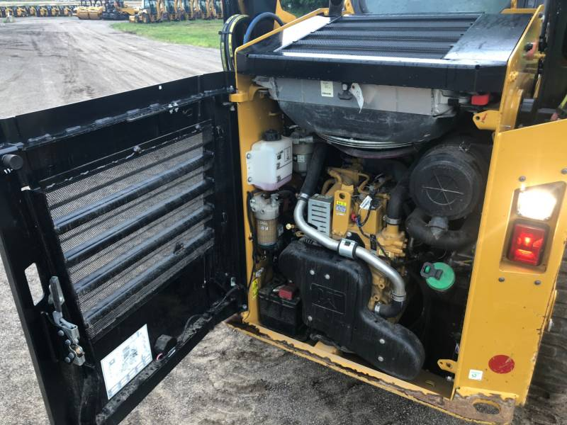 CATERPILLAR PALE COMPATTE SKID STEER 242 D equipment  photo 13
