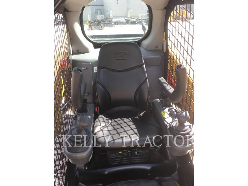 CATERPILLAR SKID STEER LOADERS 236D equipment  photo 14
