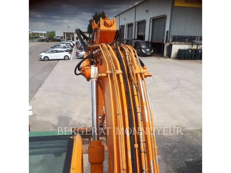 CASE PELLES SUR PNEUS WX165 equipment  photo 15