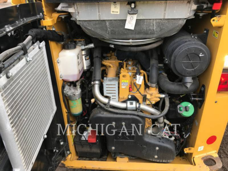 CATERPILLAR SKID STEER LOADERS 236D A2Q equipment  photo 8