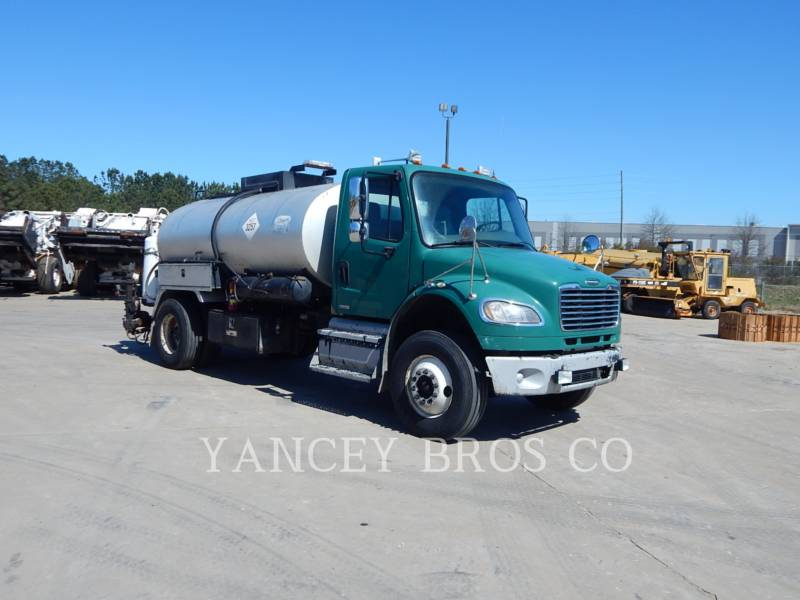 FREIGHTLINER CAMIONS ROUTIERS M2106 equipment  photo 7