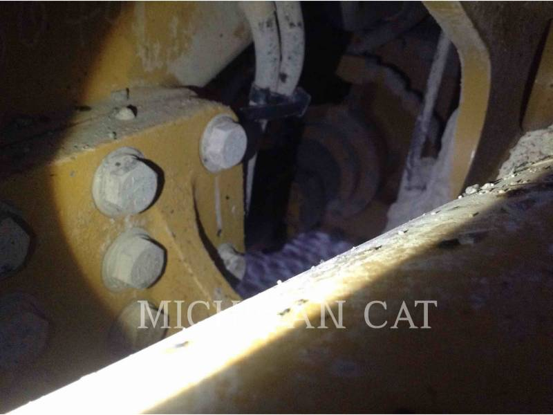 CATERPILLAR CAMIONES ARTICULADOS 740 T equipment  photo 12