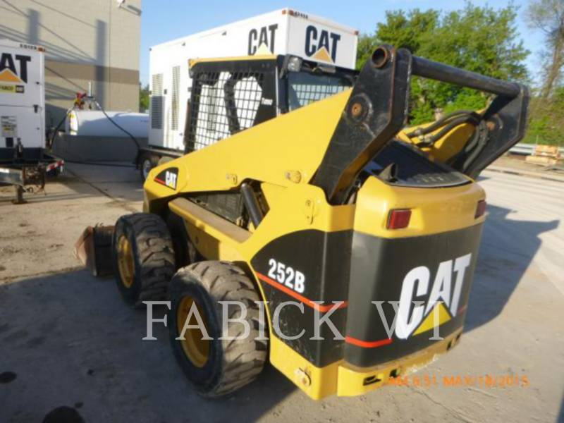 CATERPILLAR CHARGEURS COMPACTS RIGIDES 252B equipment  photo 4
