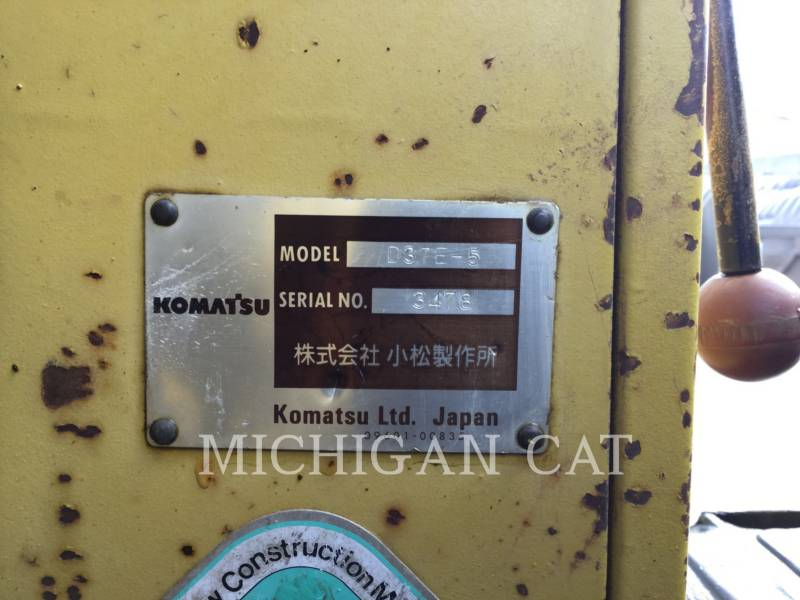 KOMATSU KETTENDOZER D37E equipment  photo 11