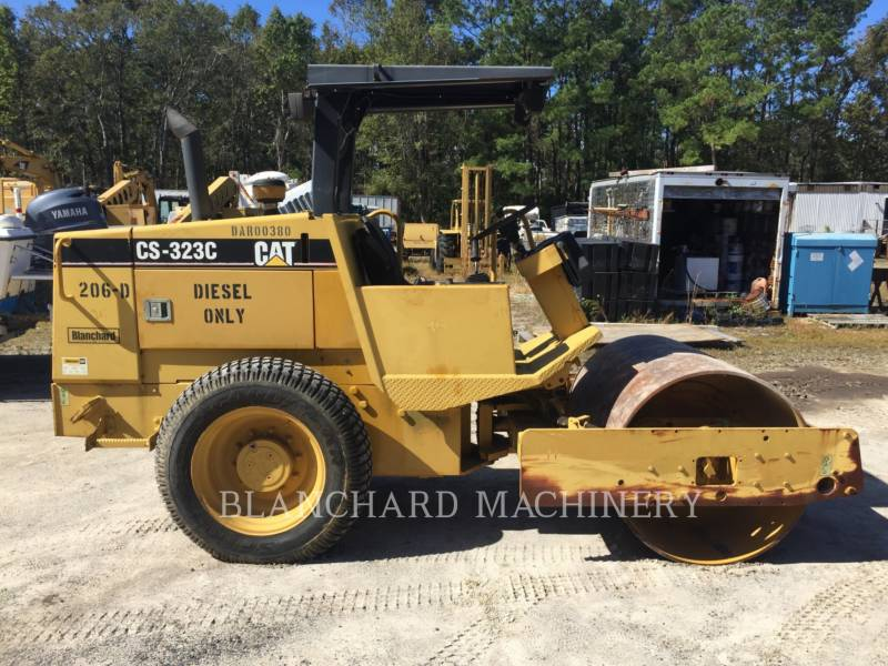CATERPILLAR VIBRATORY SINGLE DRUM SMOOTH CS-323C equipment  photo 4