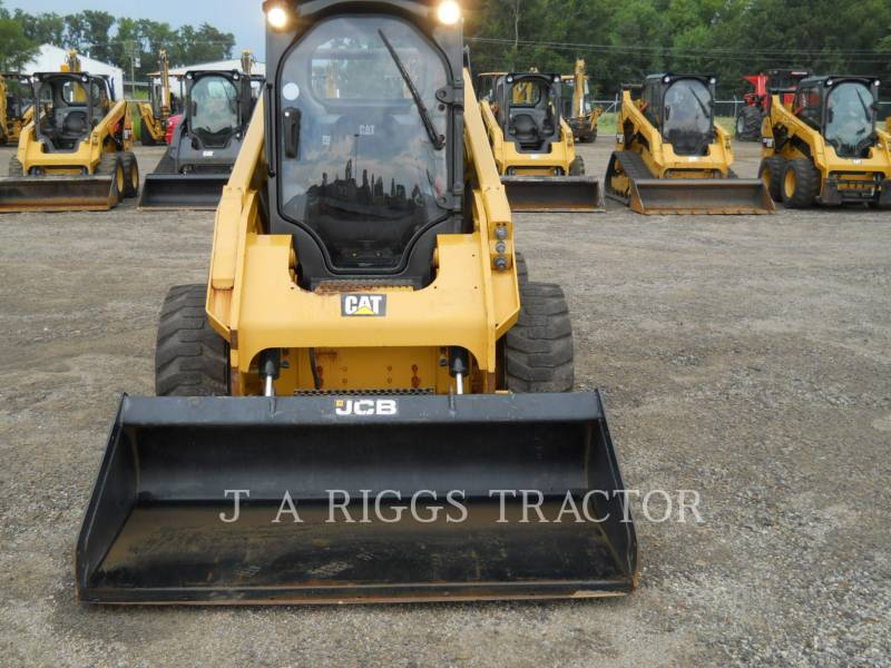 CATERPILLAR MINICARREGADEIRAS 262D equipment  photo 8