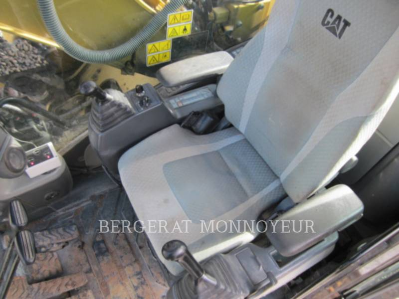 CATERPILLAR ESCAVATORI CINGOLATI 320D equipment  photo 8