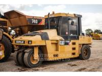 Equipment photo CATERPILLAR PF-300C 充气轮胎压实机 1