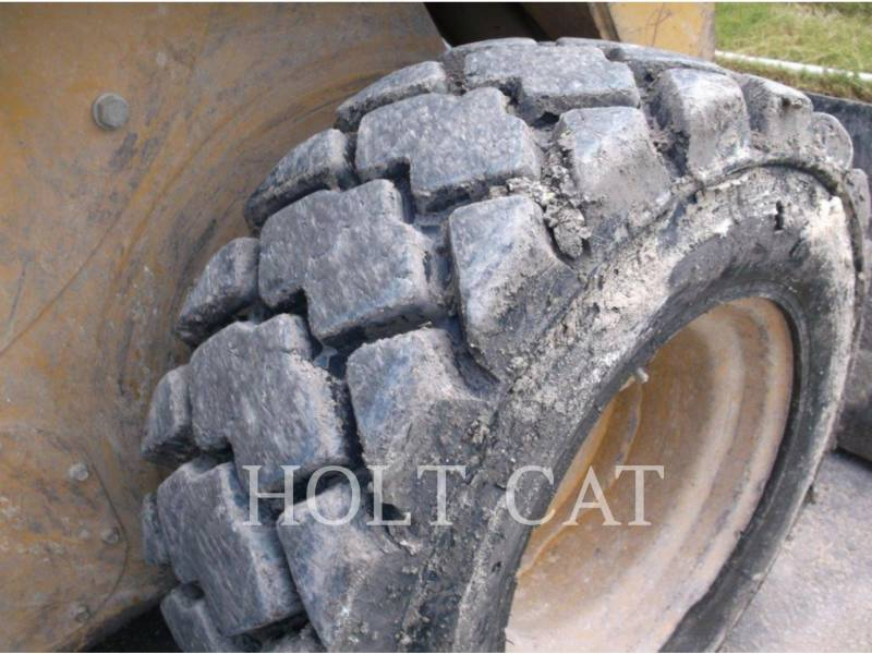 Caterpillar MINIÎNCĂRCĂTOARE RIGIDE MULTIFUNCŢIONALE 252B3 equipment  photo 7