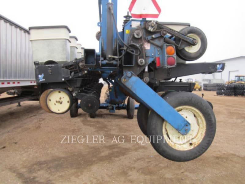 KINZE PLANTING EQUIPMENT 2300 equipment  photo 8