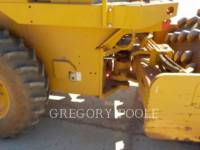 CATERPILLAR VIBRATORY SINGLE DRUM PAD CP-44 equipment  photo 19