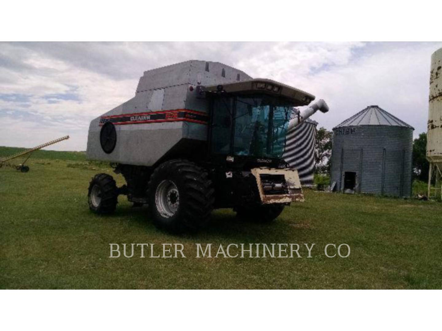 Detail photo of 1996 Gleaner R72 from Construction Equipment Guide